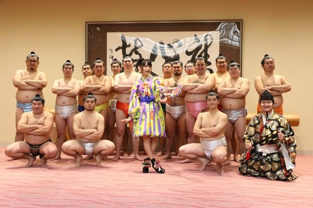 上坂すみれさん初の冠TV番組放送決定! 国技館公演のセトリも公開