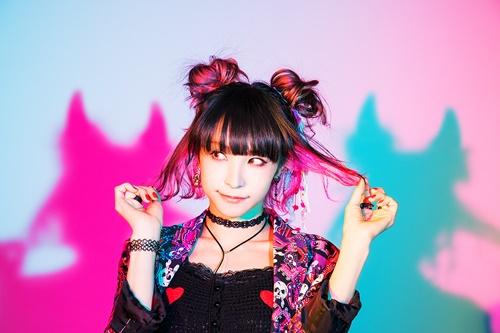 LiSAさん2年ぶりのニューアルバム『LiTTLE DEViL PARADE』発売が決定! オリジナルブランド『YAEVA MUSiC』も発足!
