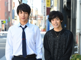 声優・小野賢章さん、実は実写映画『ReLIFE リライフ』に出演していた!? 主演・中川大志さんとのオフショット解禁