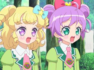 TVアニメ『アイドルタイムプリパラ』第9話より先行場面カット到着! ゆいとらぁらがチアガールのちあこをメイクアップアーティストとしてプリパラに勧誘!!