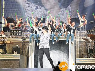 """「一人の力では、絶対にここまで到達できなかった」柿原徹也さんとファンの気持ちが一つになった「LIVE TOUR 2017""""DRUNKER""""」ファイナルの千葉公演をレポート"""