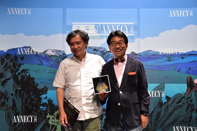 ▲受賞後の片渕監督(左)と真木P(右)