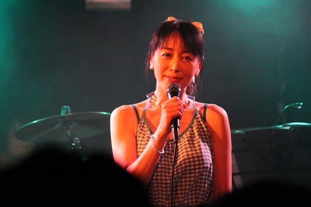 横山智佐-7