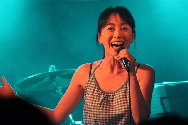 横山智佐-3