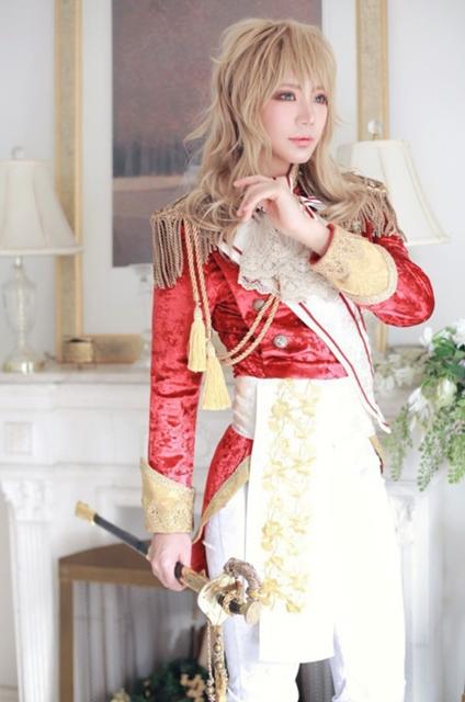 『ベルサイユのばら』オスカル、アンドレ、マリーに扮するコスプレイヤーさんの絢爛な衣装に酔いしれよう!