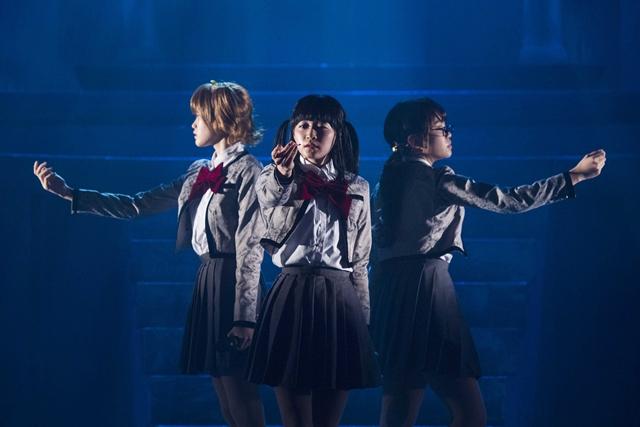 『少女☆歌劇 レヴュースタァライト』舞台公演のレポートが到着! 謎のオーディション主催者「キリン」の声で津田健次郎さんが出演