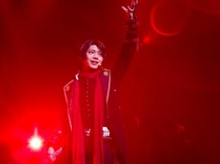 ミュージカル『刀剣乱舞』 加州清光 単騎出陣 2017が開幕! 主演・佐藤流司さんの舞台写真とコメントが到着