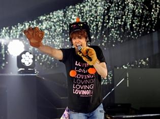 宮野真守さんの全国ツアー、横浜アリーナで超満員13500人を動員! 仙台ファイナル公演では、黒猫帽子のハロウィン衣装で登場