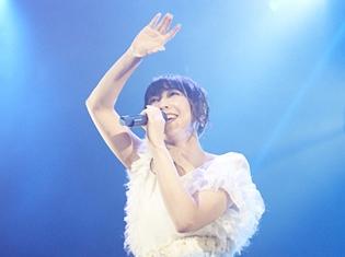 """安野希世乃さん1stライブ「ねぇ、一緒に歌おう。そして、""""泣け""""!」、夢の生バンドで『マクロスΔ』『冴えカノ』の楽曲も大熱唱"""