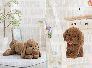 ヴィクトルの愛犬「マッカチン」が等身大のぬいぐるみとなって登場! さらに、勝生勇利の愛犬「ヴィっちゃん」も同時発売!