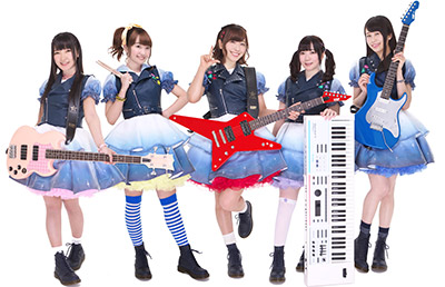 ▲Poppin'Party (左から) 西本りみさん、大橋彩香さん、愛美さん、伊藤彩沙さん、大塚紗英さん