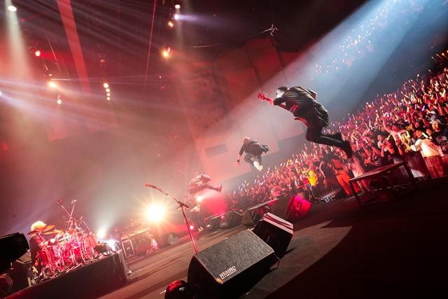欅坂46、Little Glee Monster、家入レオ、GRANRODEO、Thinking Dogs、SPYAIR、FLOW出演で大熱狂!「ジャンプミュージックフェスタ」2日目オフィシャルレポートが到着!-7