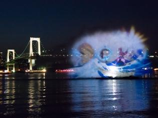 "『Fate/Grand Order』とコラボした「hokusai&TOKYO 水辺を彩る江戸祭」。その試みで""葛飾北斎""の著作が水幕に顕現!"
