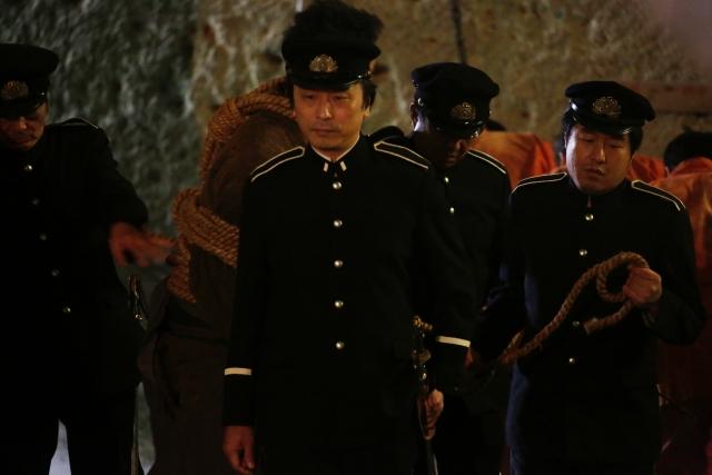 実写映画『曇天に笑う』に声優の関智一さんが看守役でカメオ出演!