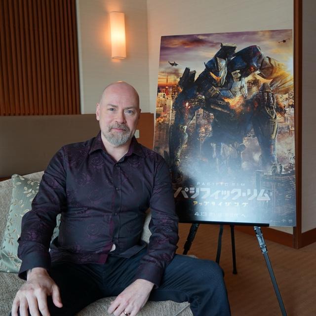 最新作『パシフィック・リム:アップライジング』監督インタビューーー日本がイェーガーに与えた影響とは?