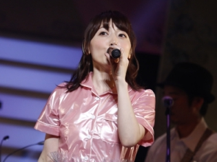 『ニセコイ』『PSYCHO-PASS』でお馴染みの花澤香菜さんを大特集!【ゴールデンウィークは声優を読む!・第3回】