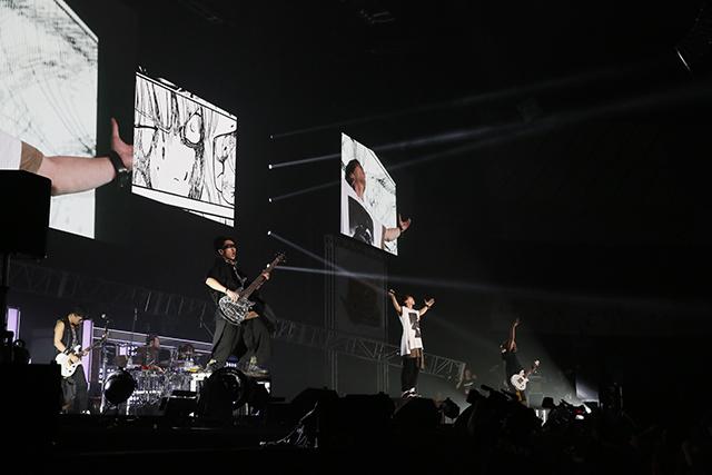 『アイドリッシュセブン 1st LIVE 「Road To Infinity」展覧会』をレポート! 煌びやかな衣裳・写真・映像でライブが追体験できる!-39