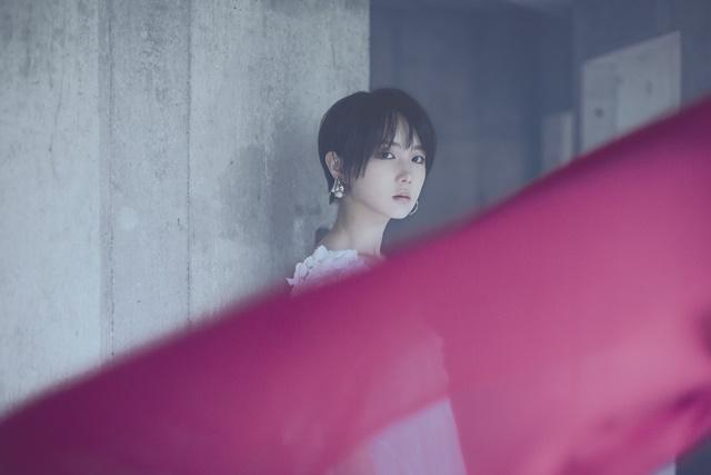 金田一、青エクのタイアップ曲も収録! 暁月凛 1stアルバムは青春の集大成