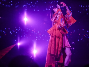 LiSA「LiVE is Smile Always~ASiA TOUR 2018~[eN]」大阪城ホールの模様を9月9日にWOWOWが独占放送!