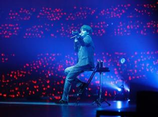 宮野真守さんのアーティストデビュー10周年を記念した「宮野真守アニバーサリーライブ 〜REQUESTⅡ〜」が開催!横浜アリーナに約12,000人のファンが集結