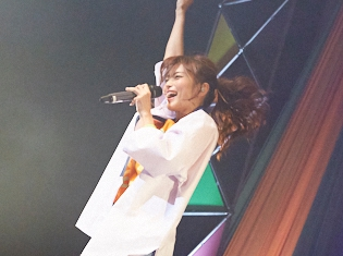 立花理香さんが1stソロライブを開催! 2019年2月には2ndライブも!!『立花理香 1st LIVE~LIFE!LIVE!Flora!~』レポート