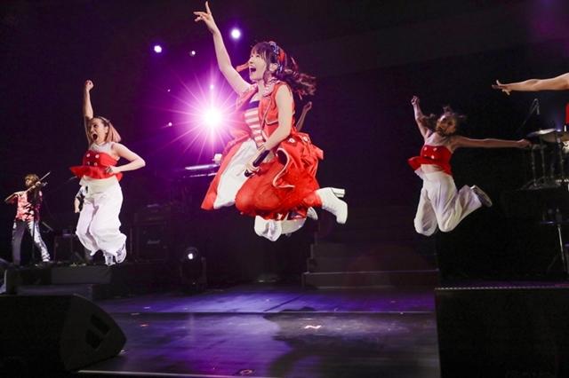 水樹奈々の夏ツアーファイナル・上海公演より公式レポート到着 ...