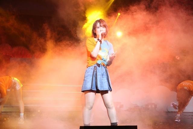 内田真礼ワンマンライブツアーのBD&DVDジャケット写真&ダイジェスト映像が公開