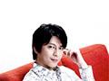秋のアニメ新番組『バトルスピリッツ 少年突破バシン』の主題歌「GO AHEAD!!」を歌うのは及川光博さん。及川さんが作詞、GLAYのTAKUROさんが作曲の注目曲は爽快なアッパーチューン!